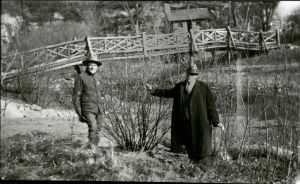 Louis Pammel (right) with Carl Fritz Henning, custodian at Ledges State Park, 1926.