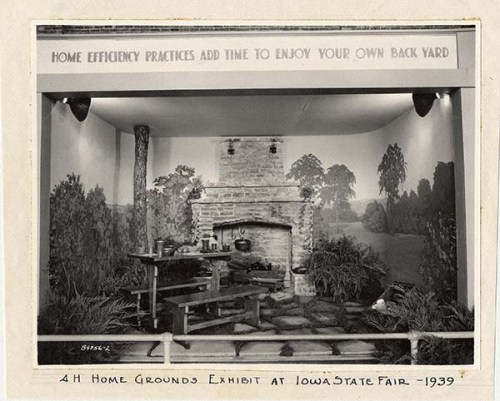 Photo of a Home Grounds exhibit at the Iowa State Fair, taken in 1939. University Photograph Collection, Box 1326.