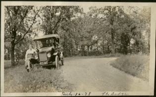 A road trip to Fort Dodge, ca. 1914 - 1920. (Aden Family Photographs and Postcards, MS 609)