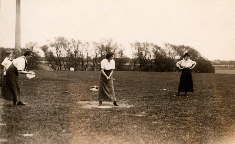 Women playing intramural softball, 1915. RS 22/7/[letter], box [number].