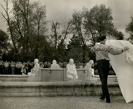 Unveiling of the Four Seasons fountain by Christian Petersen in 1941. Christian Petersen Papers, RS 26/2/52, box 6, folder 7.