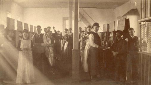 Students in a chemistry laboratory, circa 1892. University Photographs, RS 13/6/F, Box 1052.