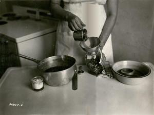 Canning demonstration, 1938. University Photographs, RS 16/3/F, Box 1396.
