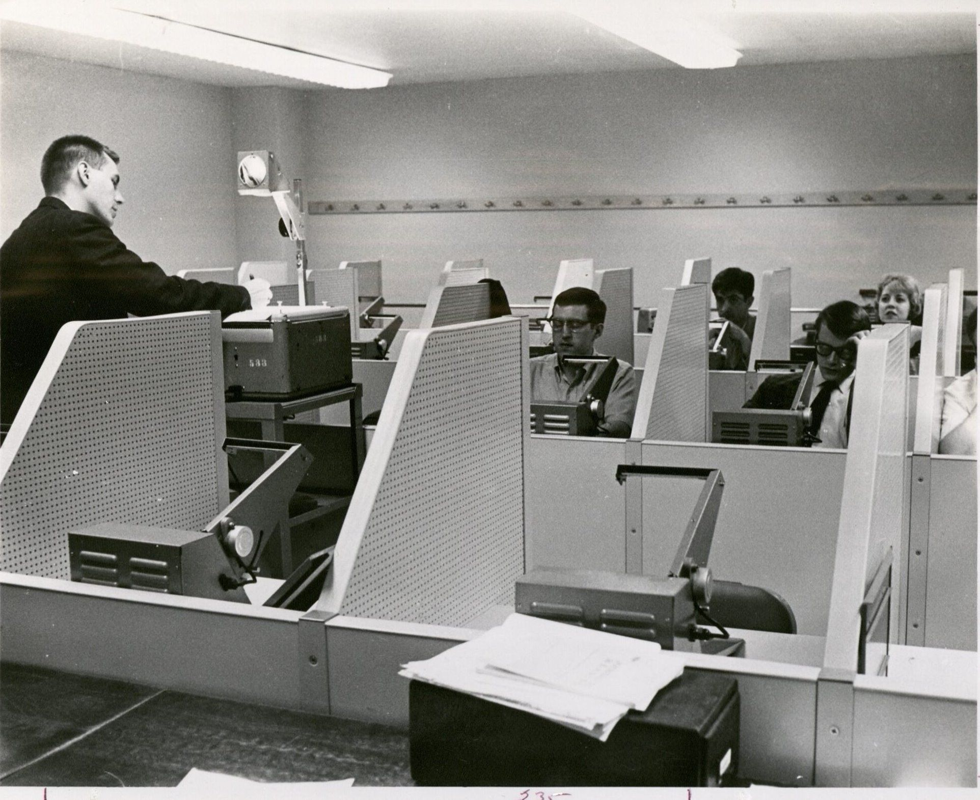 "Image of Reading Lab ""Help"" Class, circa 1962. RS 13/10/D,F,G, University Photos, box 1073."