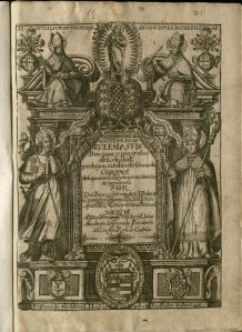 Image of an engraved title page. Book title is within an architectural archway motif. Two archbishops sit at the top of either side of the arch--the left one labeled St. Es Fon, and the right one labeled SHIS Cio.Standing in front of either column are San Tiago and San Cecilio. There are additional features of heraldry and decorative elements.